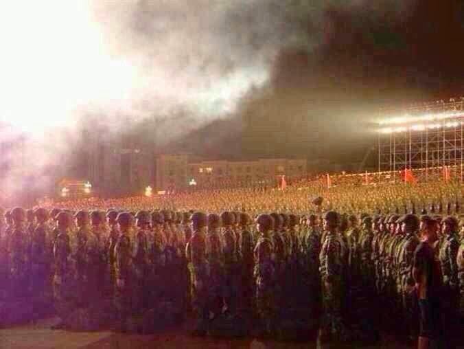 20日、中越国境部隊30万人将兵宣誓師団大会