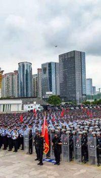 香港と中国のガマン比べ
