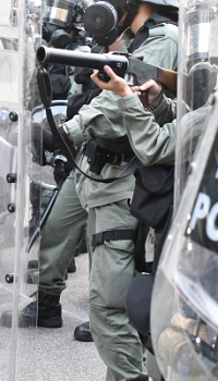 香港で使用される警察の武器と編成